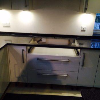 black-worktops-kitchen