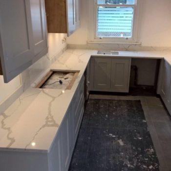 marble-white-kitchen-worktops