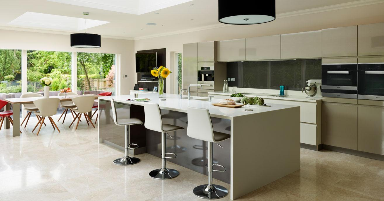 Kitchens modern tradditional shaker kitchens by for Modern kitchen company